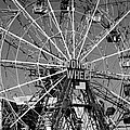 Wonder Wheel Of Coney Island In Black And White by Rob Hans