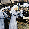 Ww1: Red Cross, 1918 by Granger