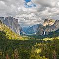 Yosemite Valley by Sarit Sotangkur