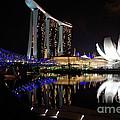 Marina Bay Sands by Joerg Lingnau