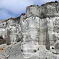 Minoan Eruption Deposits, Mavromatis by Richard Roscoe
