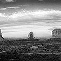 Monument Valley Panorama by Andrew Soundarajan