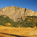 Mt Yamnuska by Ginevre Smith