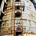 Old Storage Tank by Yali Shi