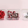 Raspberries Growing Mold by Photo Researchers, Inc.