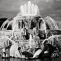 Buckingham Fountain by Laura Kinker