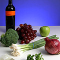 Foods Rich In Quercetin by Photo Researchers, Inc.