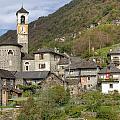 Lavertezzo - Ticino by Joana Kruse