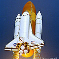Space Shuttle Discovery by Nasa