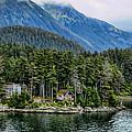 Alaskan Mountain Retreat by Jon Berghoff