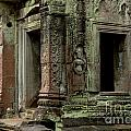 Ankor Wat Cambodia by Bob Christopher