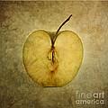Apple Textured by Bernard Jaubert