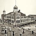 Atlantic City Steel Pier 1910 by Bill Cannon