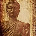 Buddha Statue by Tanatat Ariyapinyo