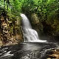 Bushkill Waterfalls by Yhun Suarez