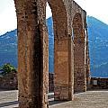 Columns by La Dolce Vita