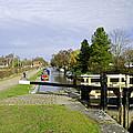 Fradley Middle Lock No. 18 by Rod Johnson