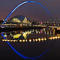 Gateshead Millennium Bridge by David Pringle