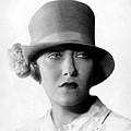 Gloria Swanson, 1927 by Everett