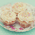 Heavenly Cupcakes by Karin A photography