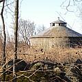 Higginson Round Barn by Peggy  McDonald