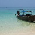 Long Tail Boat by Nawarat Namphon