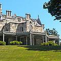 Lyndhurst Castle by Dave Mills