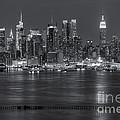 Manhattan Twilight Vii by Clarence Holmes