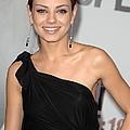 Mila Kunis Wearing Neil Lane Earrings by Everett