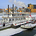Mississippi Riverboat by Laurie Prentice