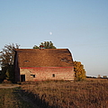Moon Barn by Bonfire Photography
