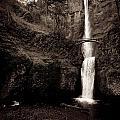 Multnomah Falls by Kim Price