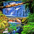 Multnomah Falls Oregon by RJ Aguilar