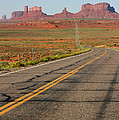 ouest USA route monument valley road by Audrey Campion