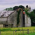 Pa Barn by Dottie Gillespie