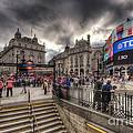 Piccadilly Circus - London by Yhun Suarez