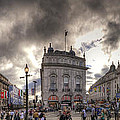 Piccadilly Panorama by Yhun Suarez