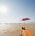 Portugal, Algarve, Sagres, Sunshade And Blanket On Beach by Westend61