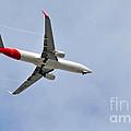 Qantas Heading Home by Kaye Menner