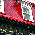 Quebec City -auberge by Geoff Evans