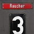 Raucher by Falko Follert