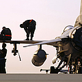 Rew Chiefs Prepare An F-16 Fighting by Stocktrek Images