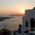 Santorini Sunset by Leslie Leda