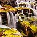 Shifen Waterfall by Jeff Chiu