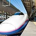 Shinkansen At Tokyo Station by U Schade