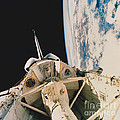 Space Shuttle Columbia by Science Source