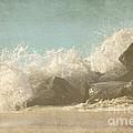 Splashing Wave by Sophie Vigneault