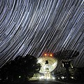 Star Trails Over Parkes Observatory by Alex Cherney, Terrastro.com