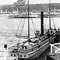 Steamer In The Hudson River - New York - 1909 by International  Images