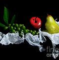 Still Fruits by Jose Luis Reyes